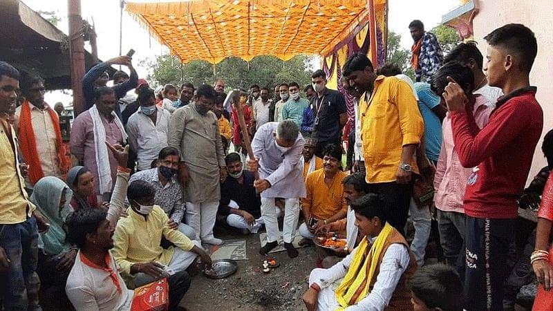 मंत्री परमार ने शुजालपुर में पांच सड़कों की रखी आधारशिला