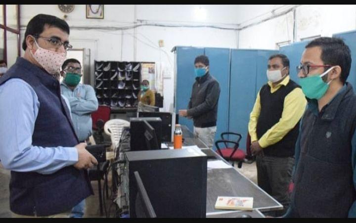 आजमगढ़ मण्डल के डाकघरों में कोरोना काल में 55 हजार बचत खाते खुले : पोस्टमास्टर जनरल