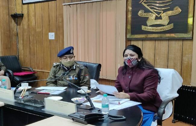 उत्तराखंडः राष्ट्रीय महिला आयोग की सदस्य राजुलबेन ने डीजीपी से की भेंट, पुलिस पहलों पर हुई चर्चा