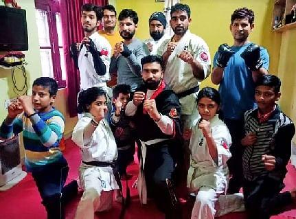 शरीर को फिट रखने का अच्छा माध्यम है कराटे मिक्स मार्शल आर्टः अमित चौधरी