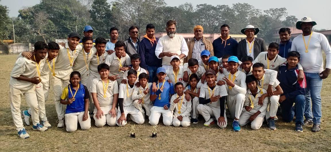 अंडर-14 जिला क्रिकेट लीग में वेस्ट जोन बना चैंपियन