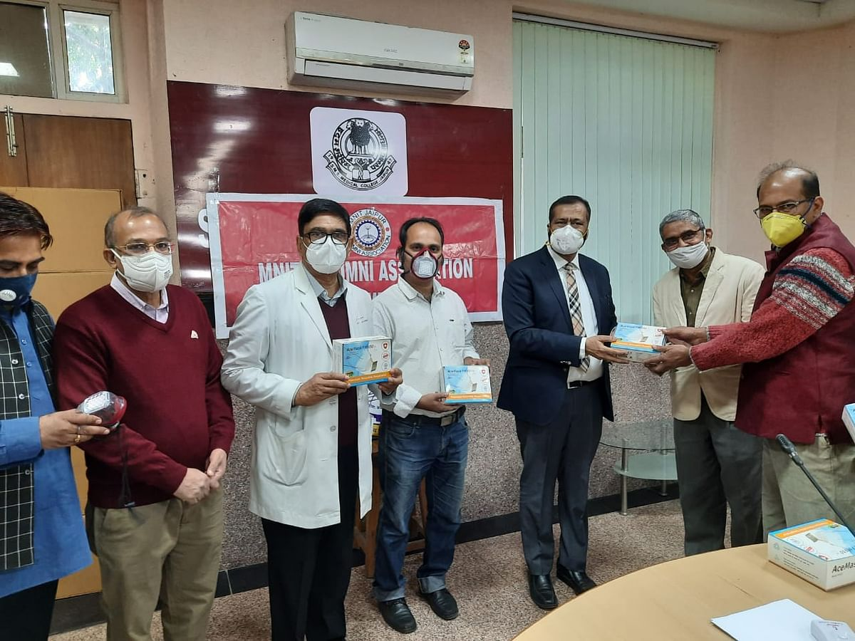 India's first 3D mask to protect against infection, 500 masks handed over to SMS Medical College