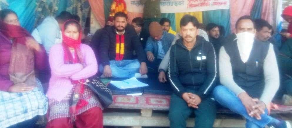 आंदोलनकारियों के समर्थन में बाजार बंद और चक्का जाम