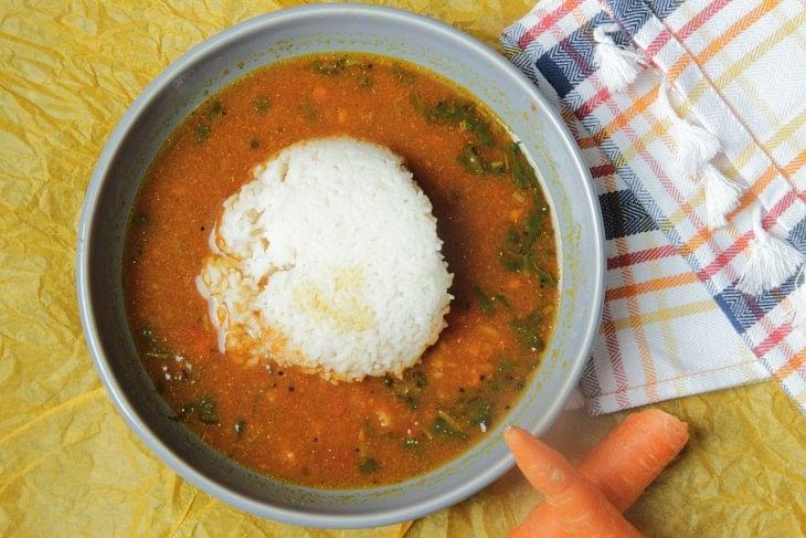 घर पर बनाएं स्वादिष्ट तरीके से रसम की रेसिपी और जानें इसके फायदे