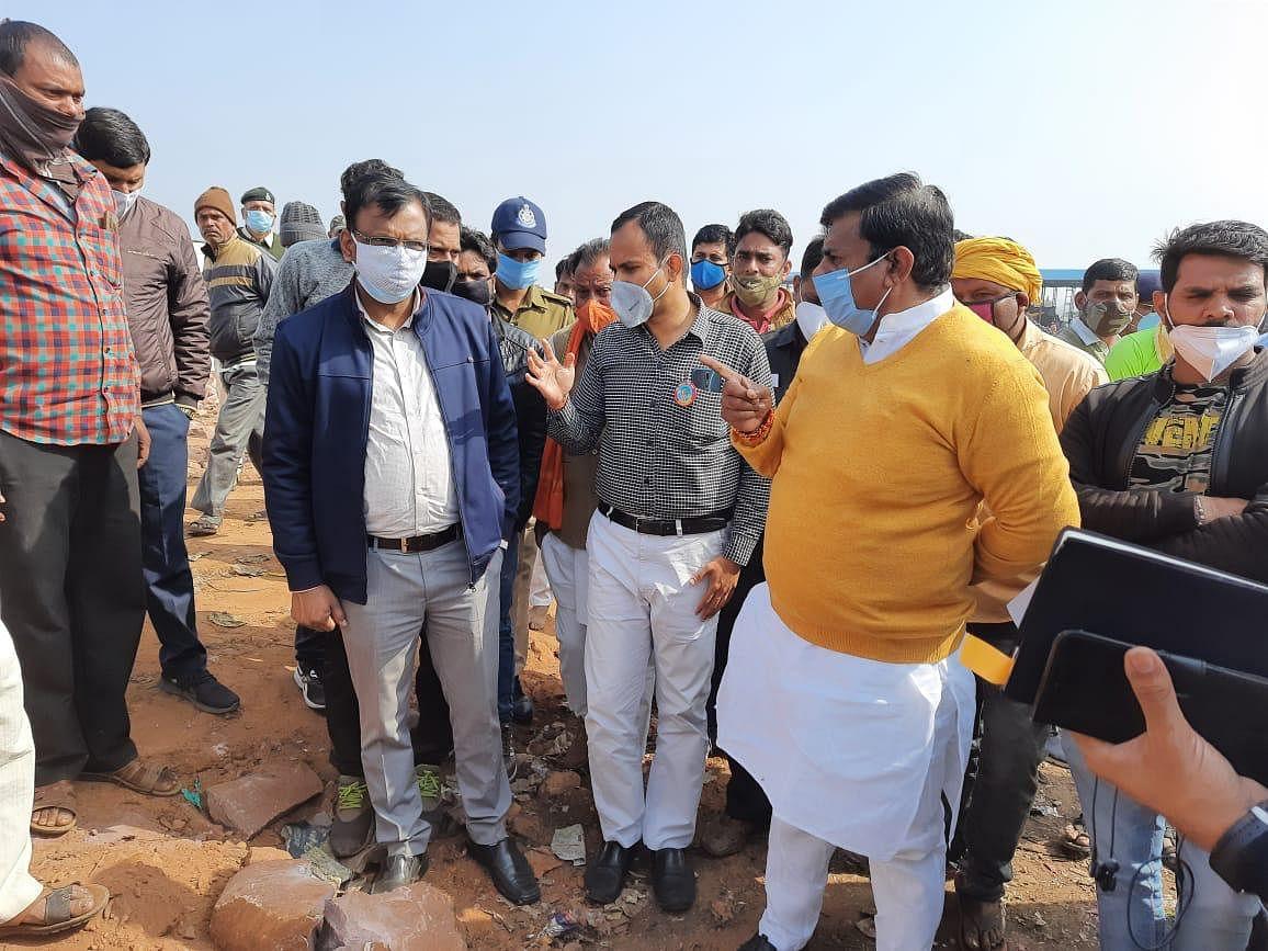 प्रोटेम स्पीकर रामेश्वर शर्मा ने समरधा में लगायी चौपाल, गौ शाला सडक़ निर्माण के दिए निर्देश