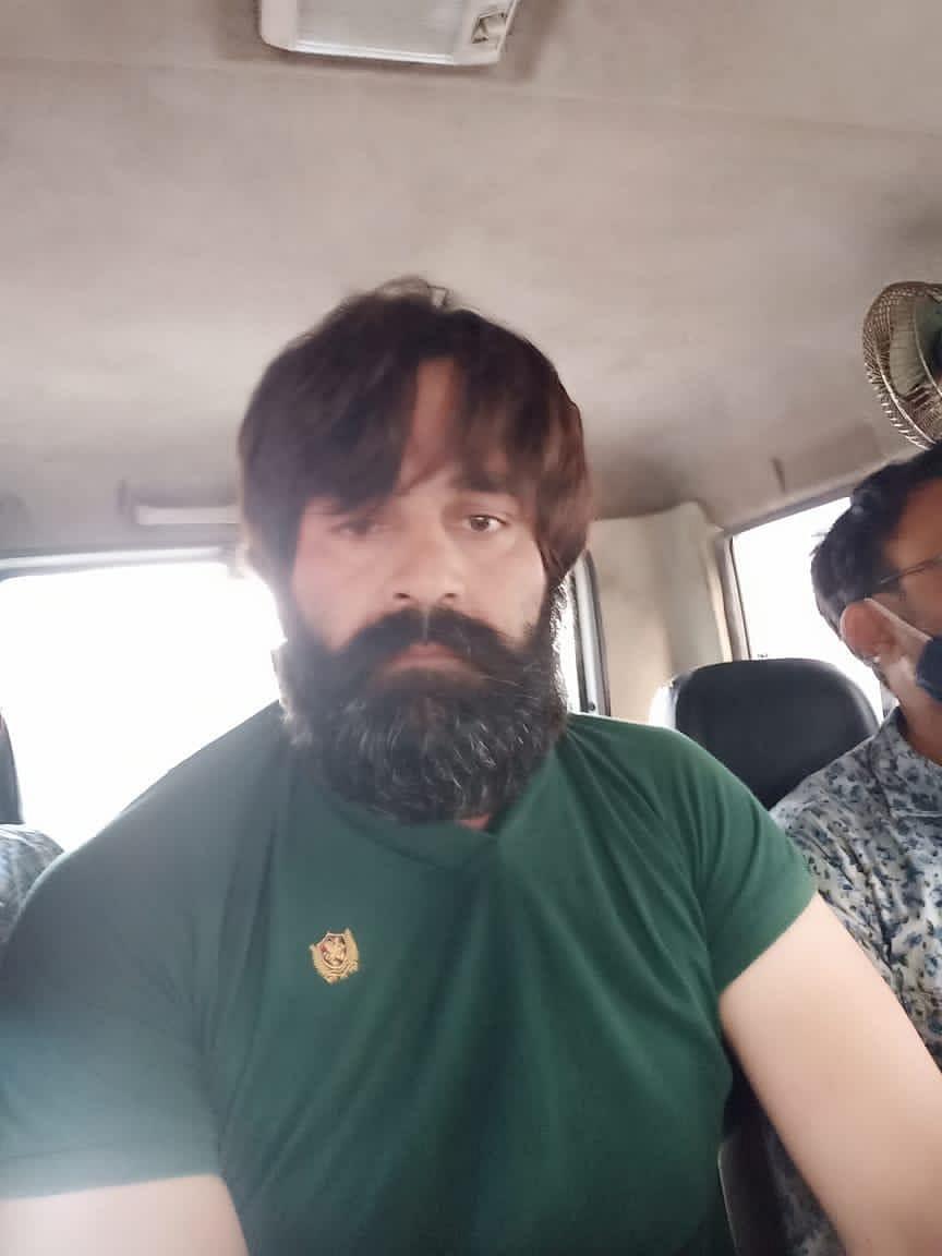केंटीन संचालक वरुण को मुम्बई क्राइम ब्रांच के सहयोग से किया गिरफ्तार, बोरीवली के होटल में ठहरा था आरोपित