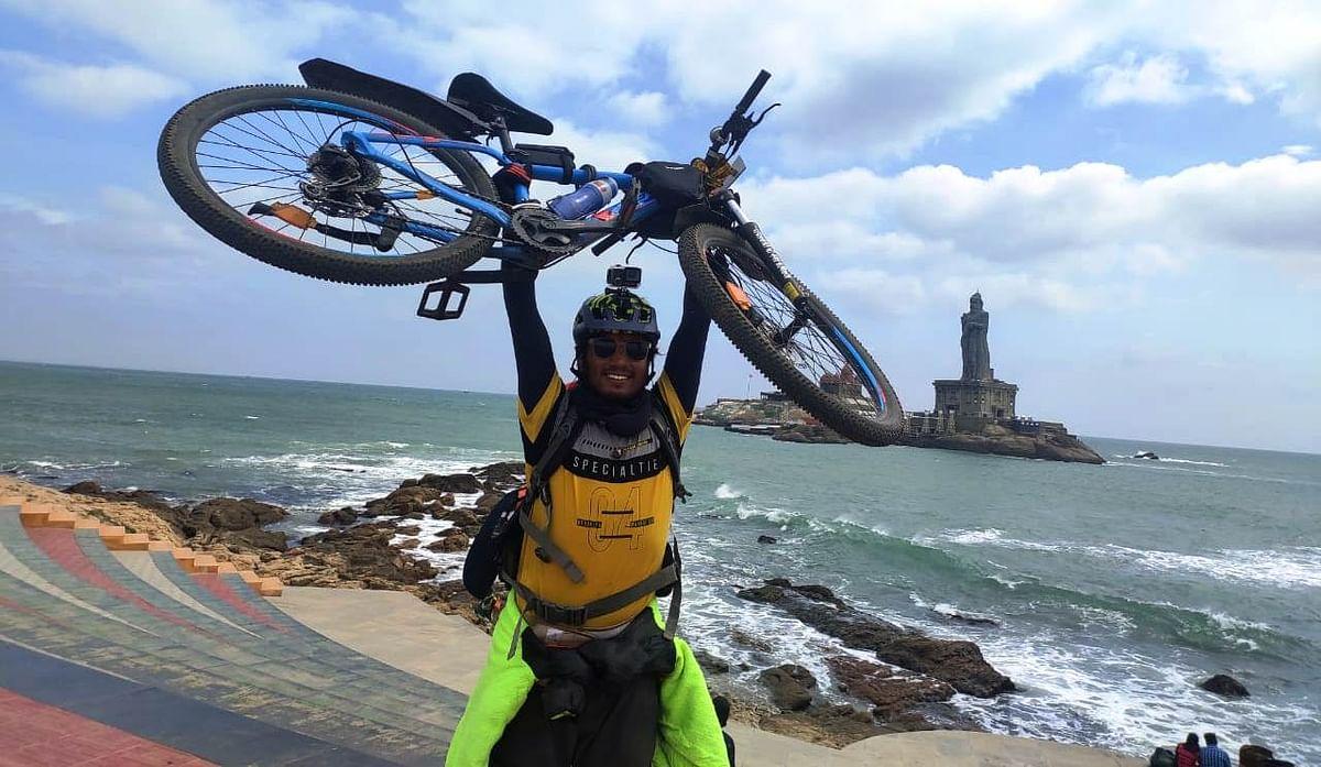सोमेश ने उत्तराखंड के माणा गांंव से कन्याकुमारी तक साइकिल यात्रा की पूरी
