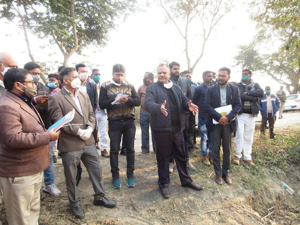 सीतापुर: अपर मुख्य सचिव पंचायत ने दिए निर्देश, तय समय-अवधि में पात्रों को मिले आवास