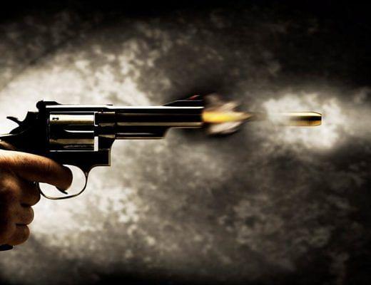 मंदिर में पूजा कर रहे युवक को गोली मारी, आरोपित गिरफ्तार