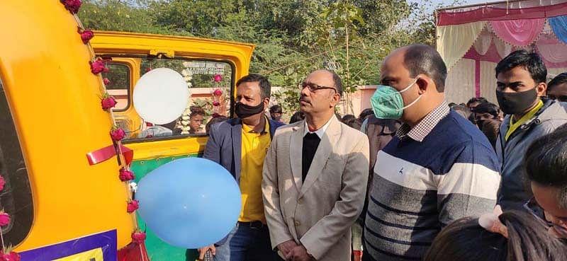 ग्रामीण इलाकों में अब शिक्षा की पहुंचेगी गाड़ी, बच्चों को घर बैठे मिलेगी मुफ्त शिक्षा