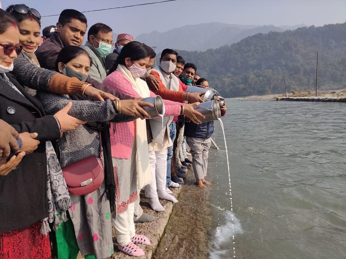प्रदेश भाजपा प्रभारी दुष्यंत गौतम का जन्मदिन मनाया