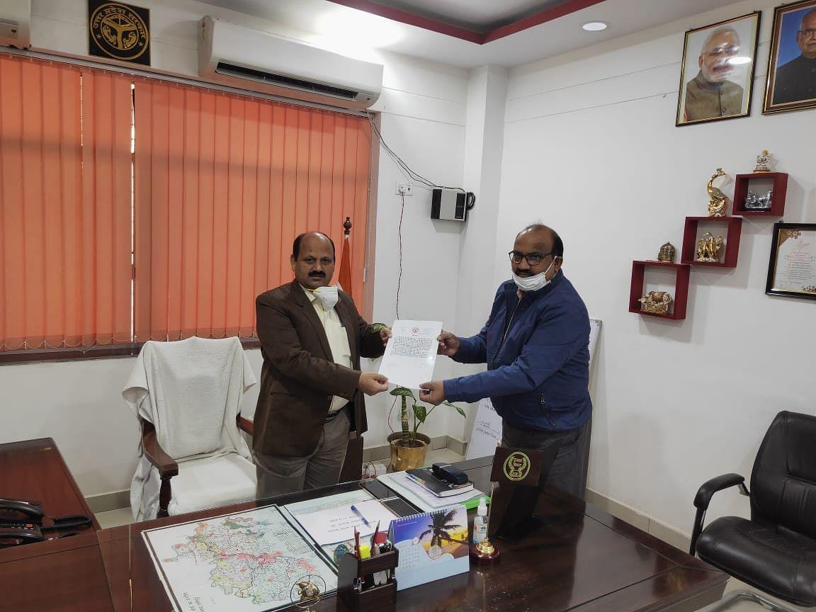 प्रधानमंत्री स्वनिधि योजना में हमीरपुर प्रदेश में तीसरे पायदान पर, एलडीएम सम्मानित