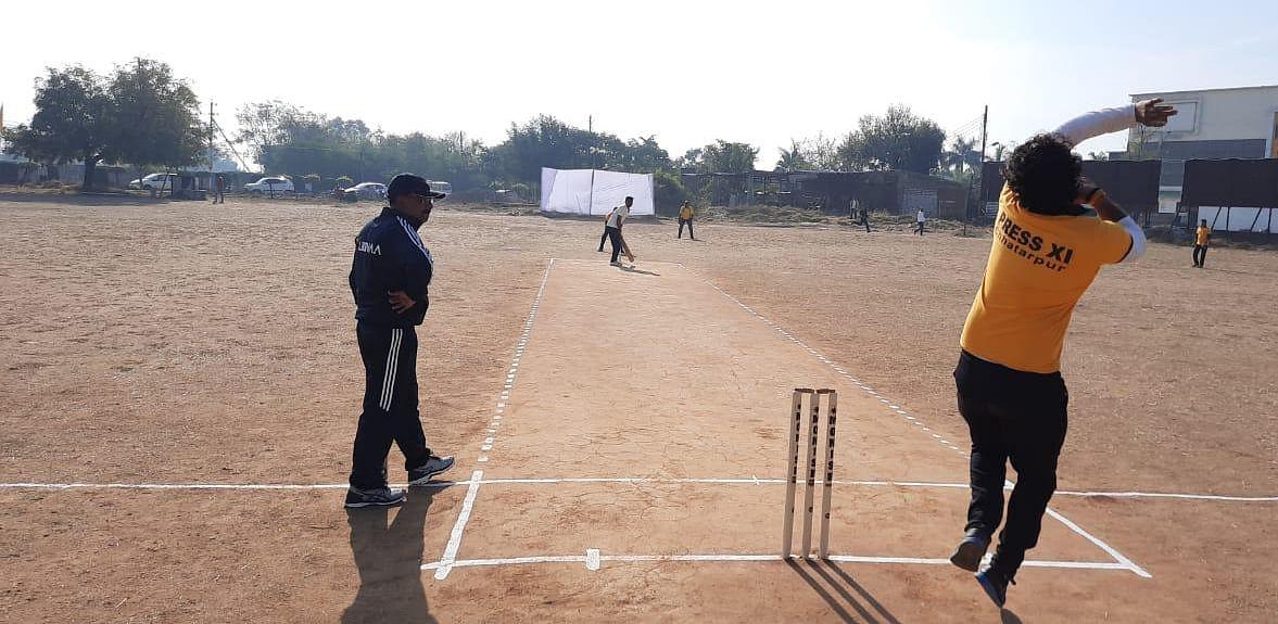 रोमांचक मुकाबले में 30 रनों से जीती पुलिस टीम