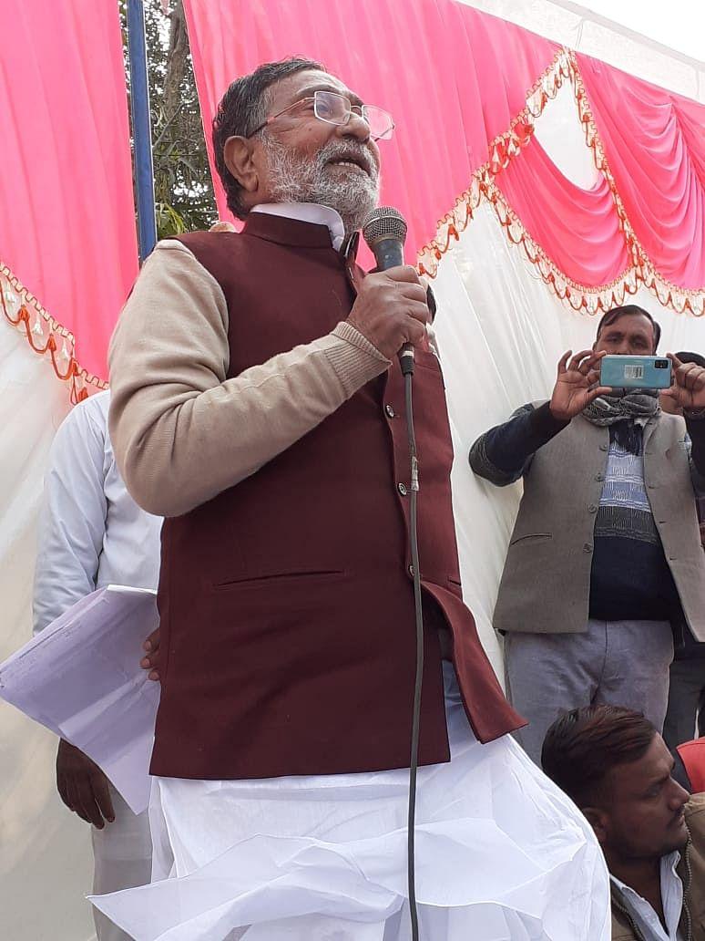 कारपोरेट घरानों के पेरोल पर है मोदी-योगी की सरकार : राम गोविंद चौधरी