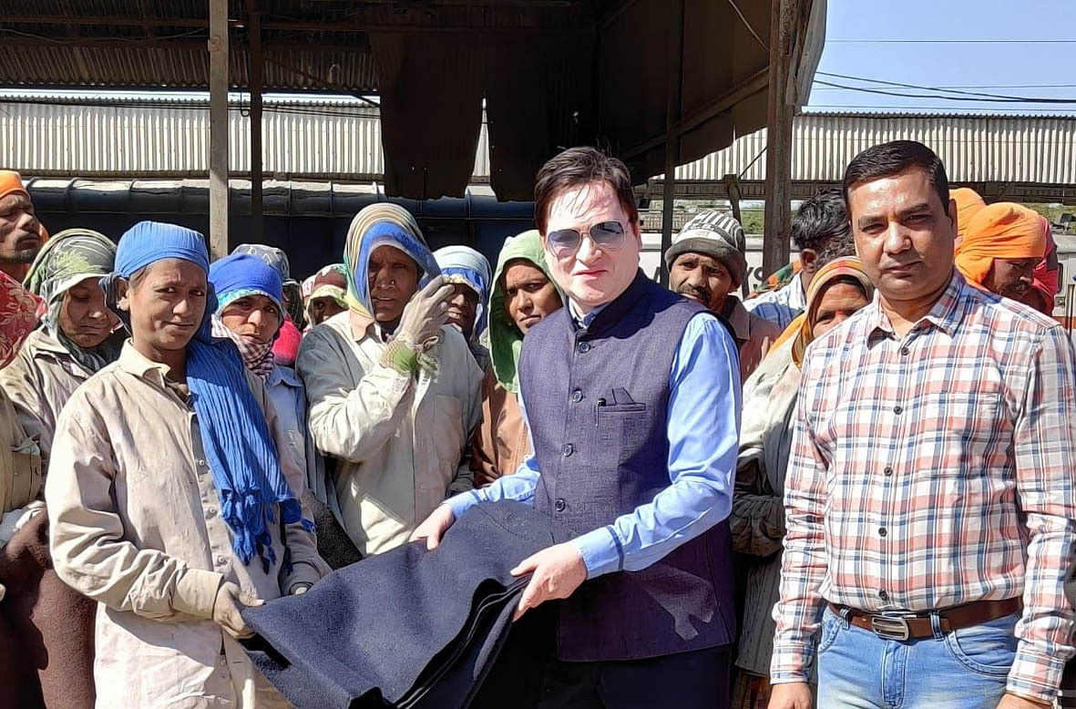 Blankets distributed to 200 needy at rail freight warehouse