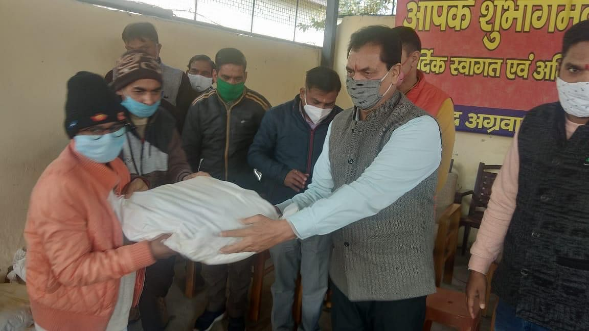 Assembly Speaker handed over ration kits to 63 needy