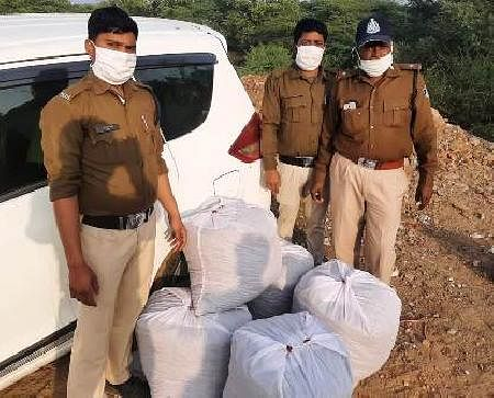 121-kg-ganja-found-in-crashed-car-accused-escaped-before-police-arrived