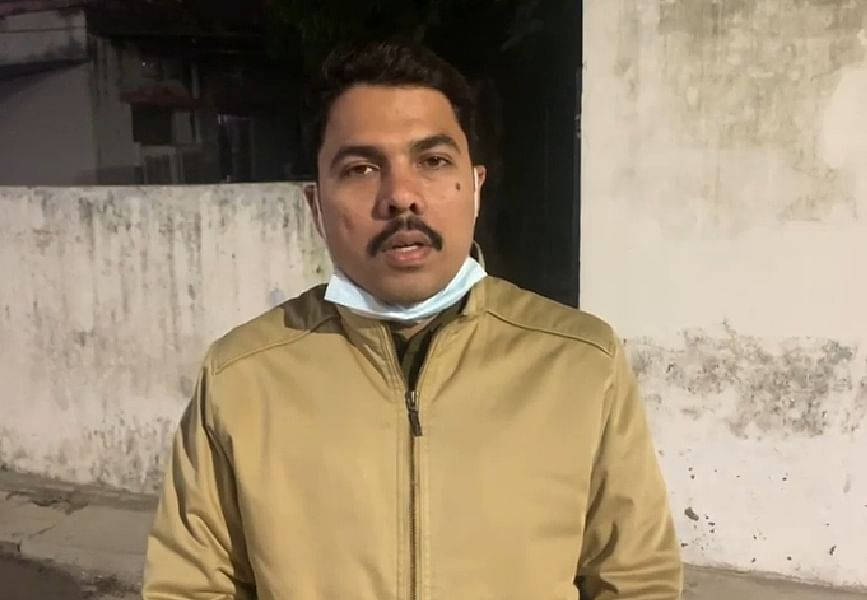 Ballia Police's cyber cell returned one lakh 19 thousand to the account of the naval