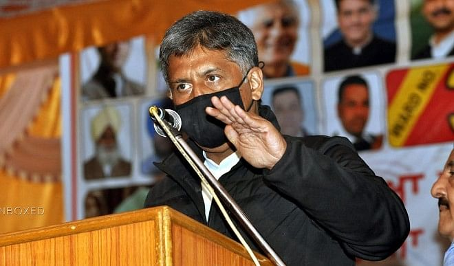 Manish Tiwari raised the question on the vaccine, he said - Why did no responsible leader come forward to get the vaccine?