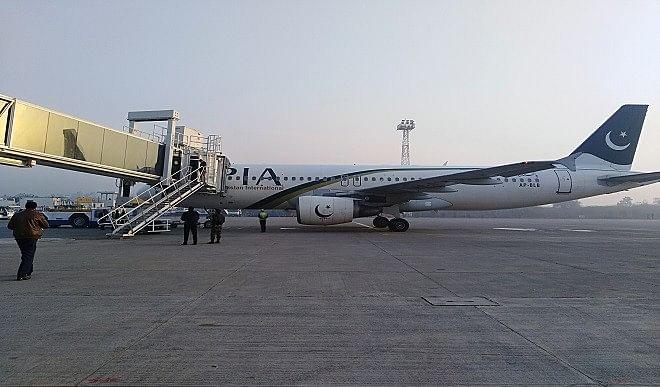 पैसा नहीं चुकाने पर पाकिस्तान के विमान को मलेशिया ने किया जब्त, यात्रियों को नीचे उतारा