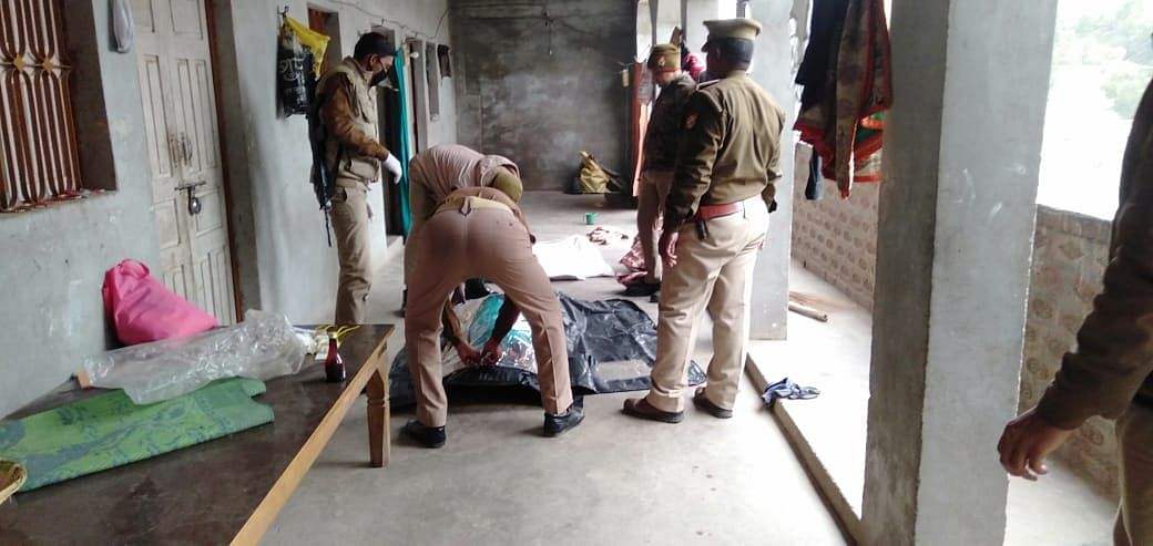 Fatehpur: Father shoots married daughter with license gun, dies