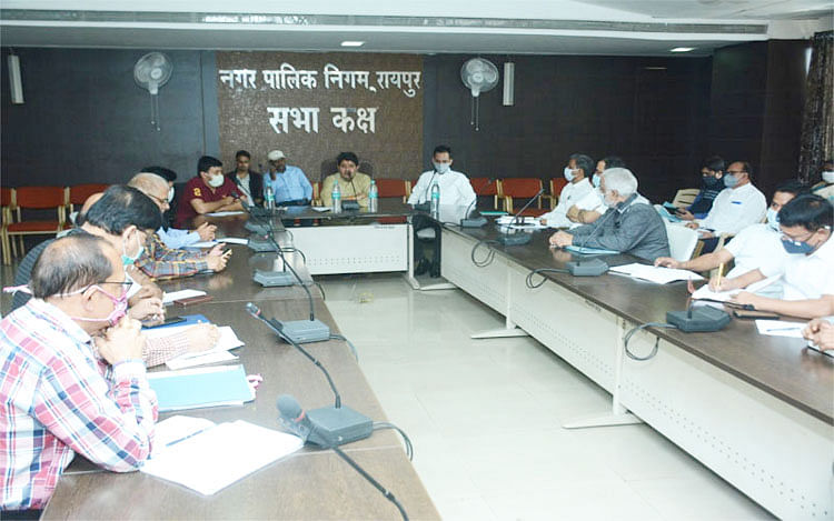 Corporation officials and employees will reach headquarters by bicycle in a month, will give message of environment