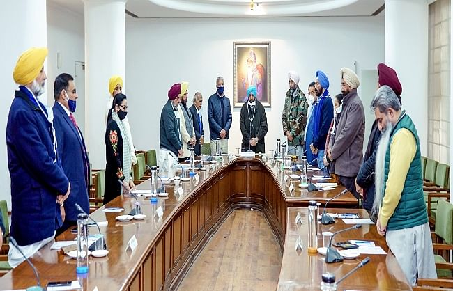 Punjab cabinet bluntly, nothing less than withdrawal of agricultural laws approved