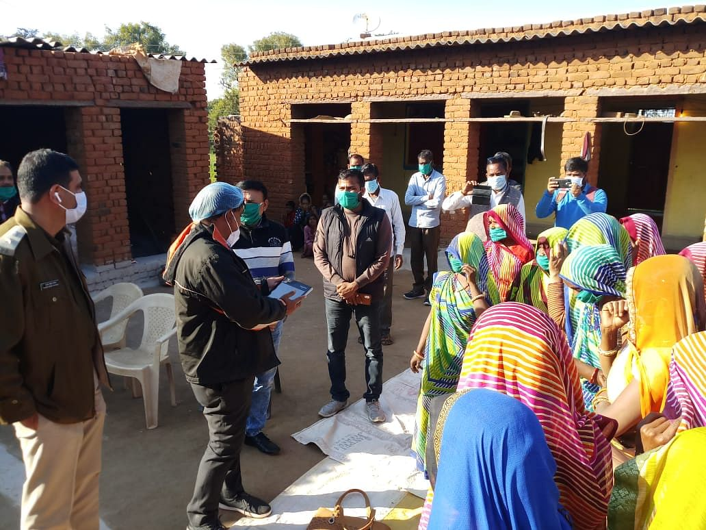 Collector observed livelihood mission activities, interacted with women