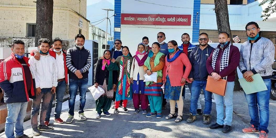 अनुसूचित जनजाति के परिवारों को शीतकालीन प्रवास की भूमि पर अधिकार देने की मांग