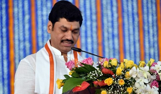 Woman accused of rape by Uddhav government minister Dhananjay Munde