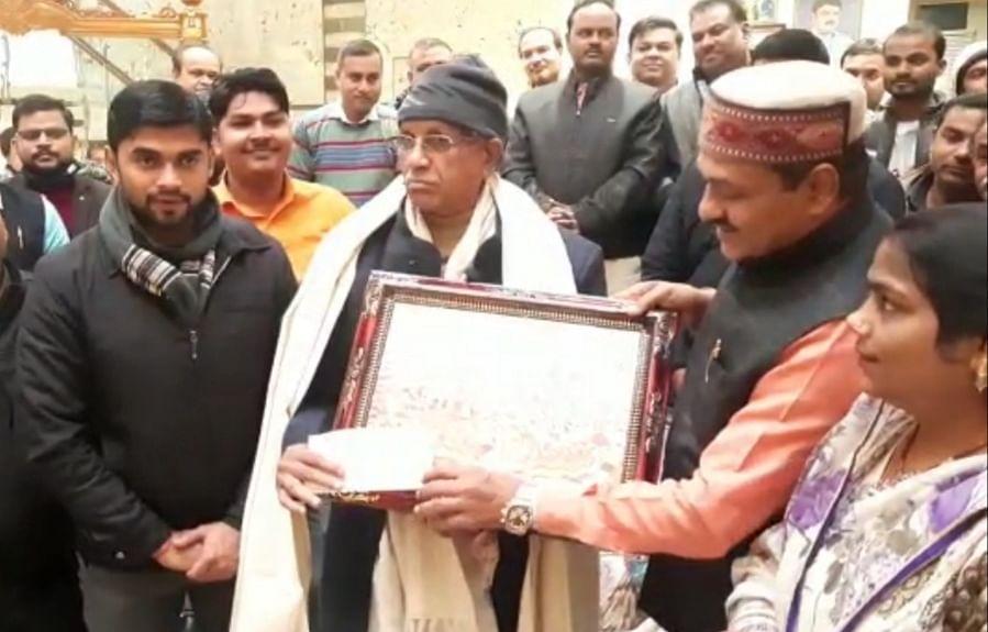 अमेठी : राम मंदिर निर्माण के लिए भाजपा संयोजक ने दिए सवा करोड़ रुपये दान