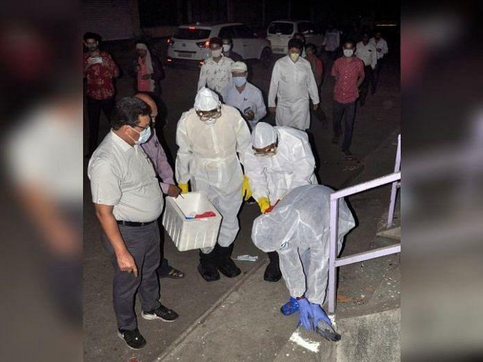 रायपुर:पंडरी बस स्टैंड में दर्जनभर कबूतर मृत पाए गए