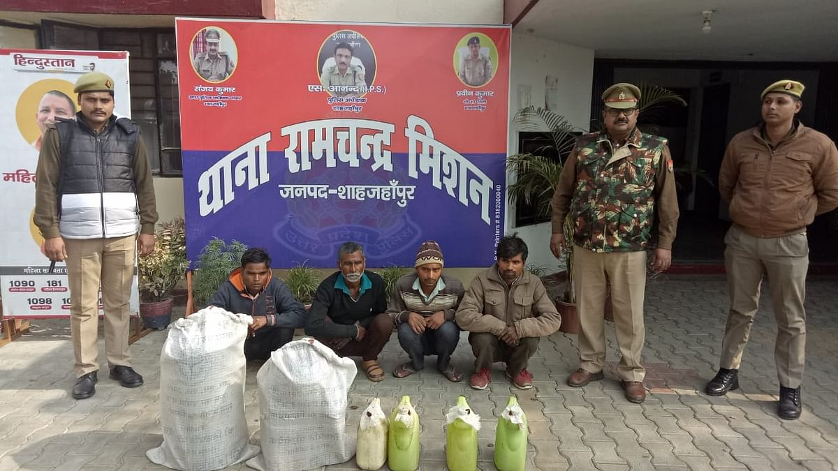 Shahjahanpur police campaign, 40 people arrested with raw alcohol