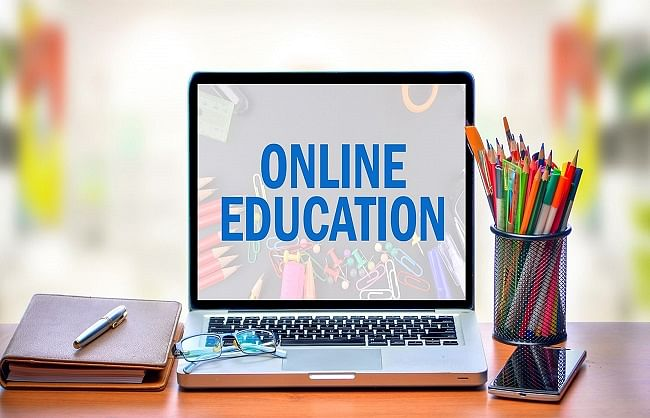 कोरोना काल में ऑनलाइन शिक्षा : एक नई अनिवार्य परम्परा