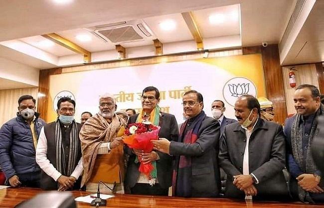 ISS officer Arvind Kumar Sharma joins BJP