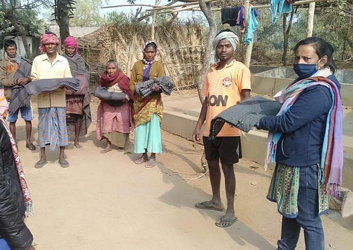 अदाणी पावर ने गरीब जरूरतमंद लोगों को बांटे 4000 कंबल