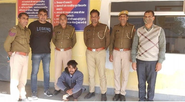 प्रतिबंधित दवाईयों के साथ एक गिरफ्तार