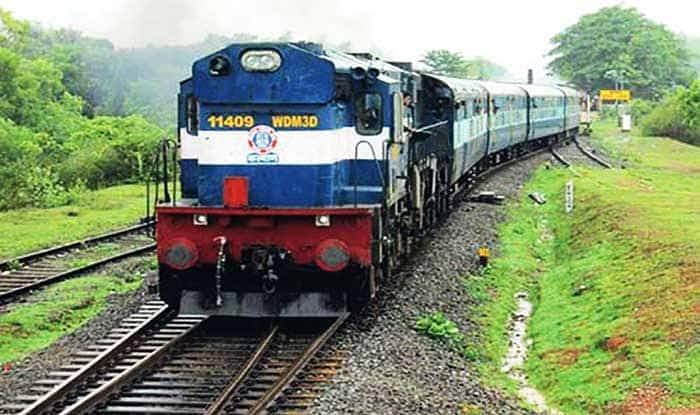 पश्चिम रेलवे की पांच विशेष ट्रेनों के फेरे विस्तारित, बुकिंग कल से
