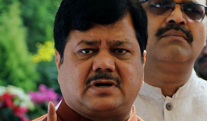 BJP leader Praveen Darekar tightened on Chief Minister's Vidarbha Uddhav Thackeray visit