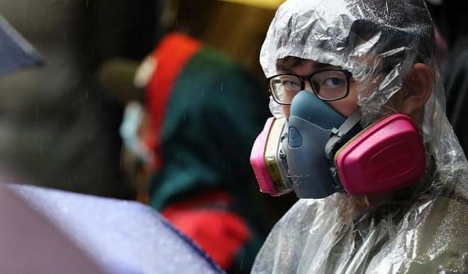 मलेशिया में कोरोना वायरस आपातकाल पर लगी मुहर, संकटग्रस्त प्रधानमंत्री को मिल सकती है राहत