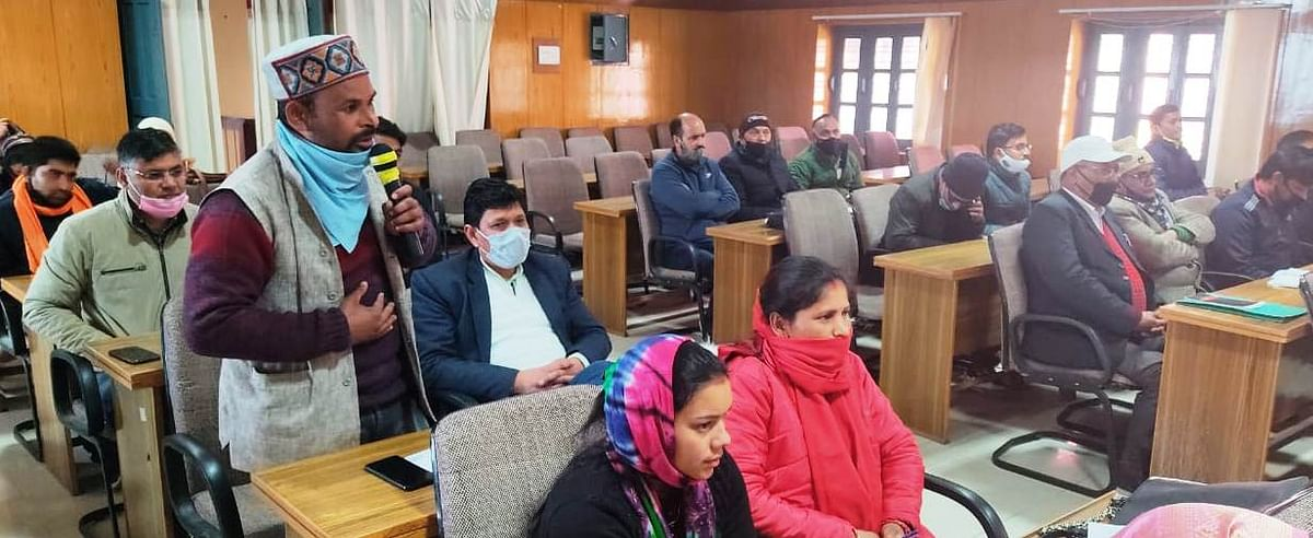Zilla Panchayat meeting passed condemnation motion against absent officers