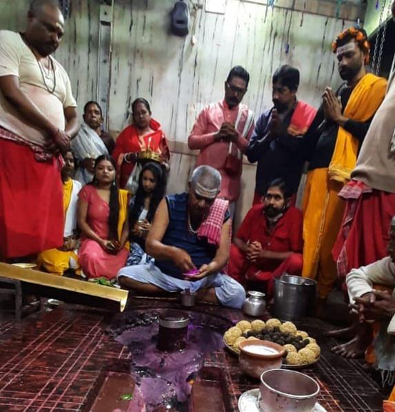 Baba Basukinath enjoyed sesame jaggery on Makar Sankranti