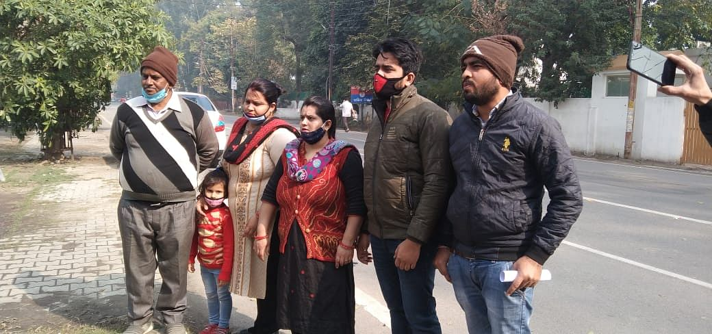 Robbery victim Saraf's family warns of migration