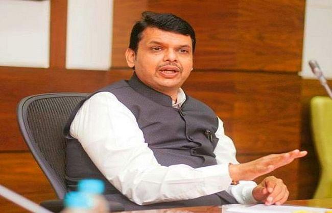 कांग्रेस, राकांपा किसानों के नाम पर ढोंग कर रही हैं : फडणवीस
