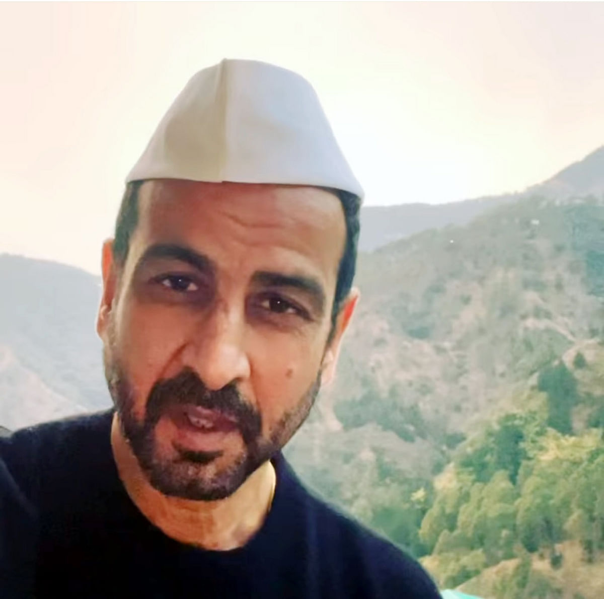 Ronit Roy wore a mountain cap to Nainital for shooting, remember Jackie Dada