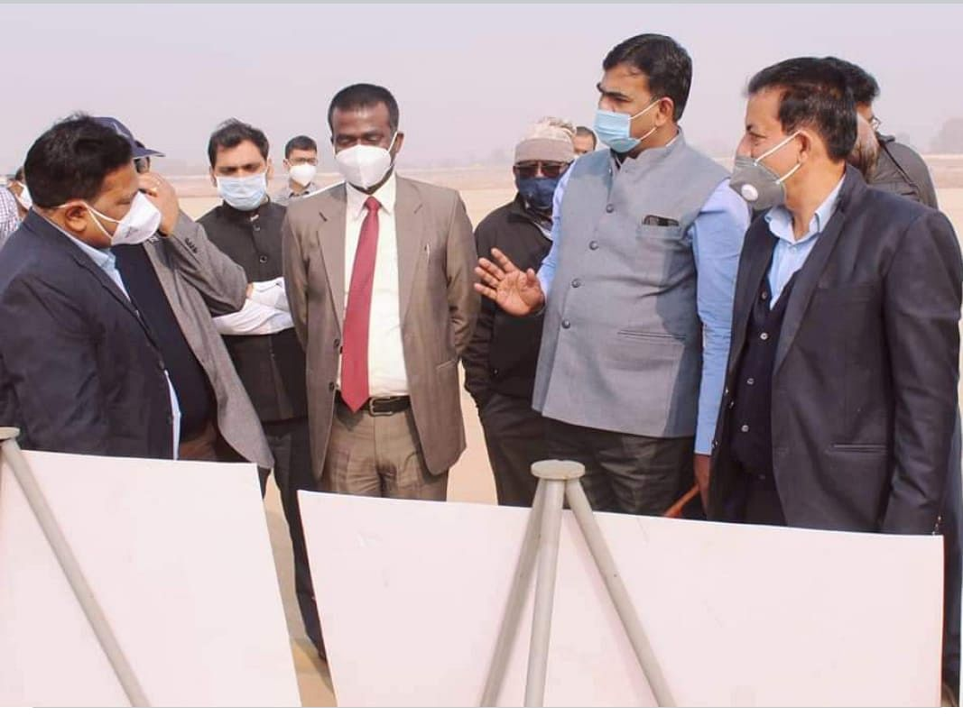 नागर विमानन सचिव ने देवघर एयरपोर्ट का निरीक्षण किया