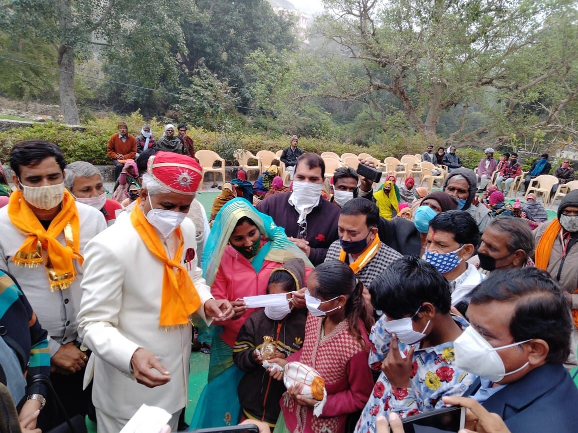 Two universities distribute one and a half million masks in tribal area