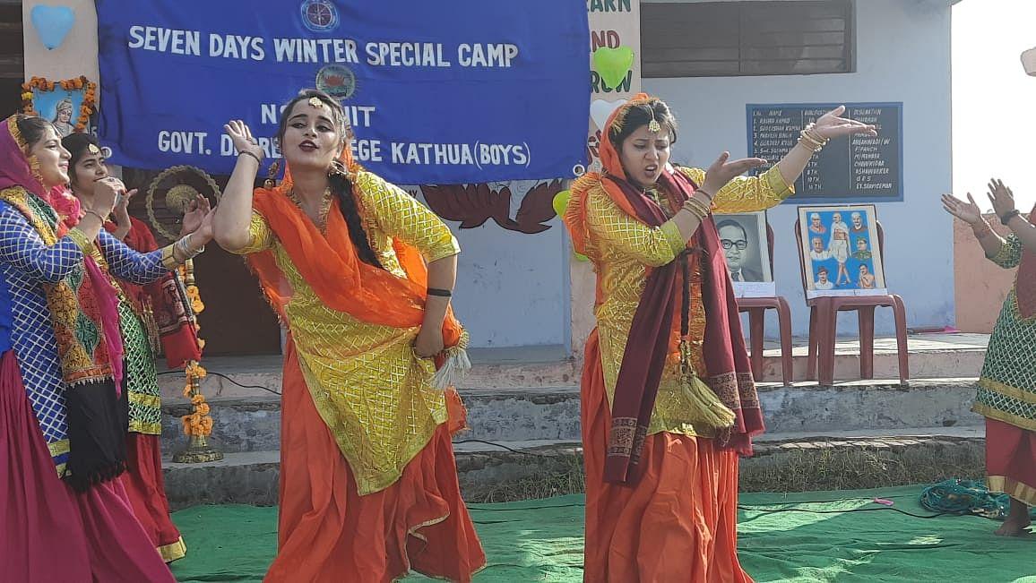 डिग्री कॉलेज कठुआ की एनएसएस इकाई द्वारा आयोजित सात दिवसीय विशेष शीतकालीन शिविर का हुआ समापन