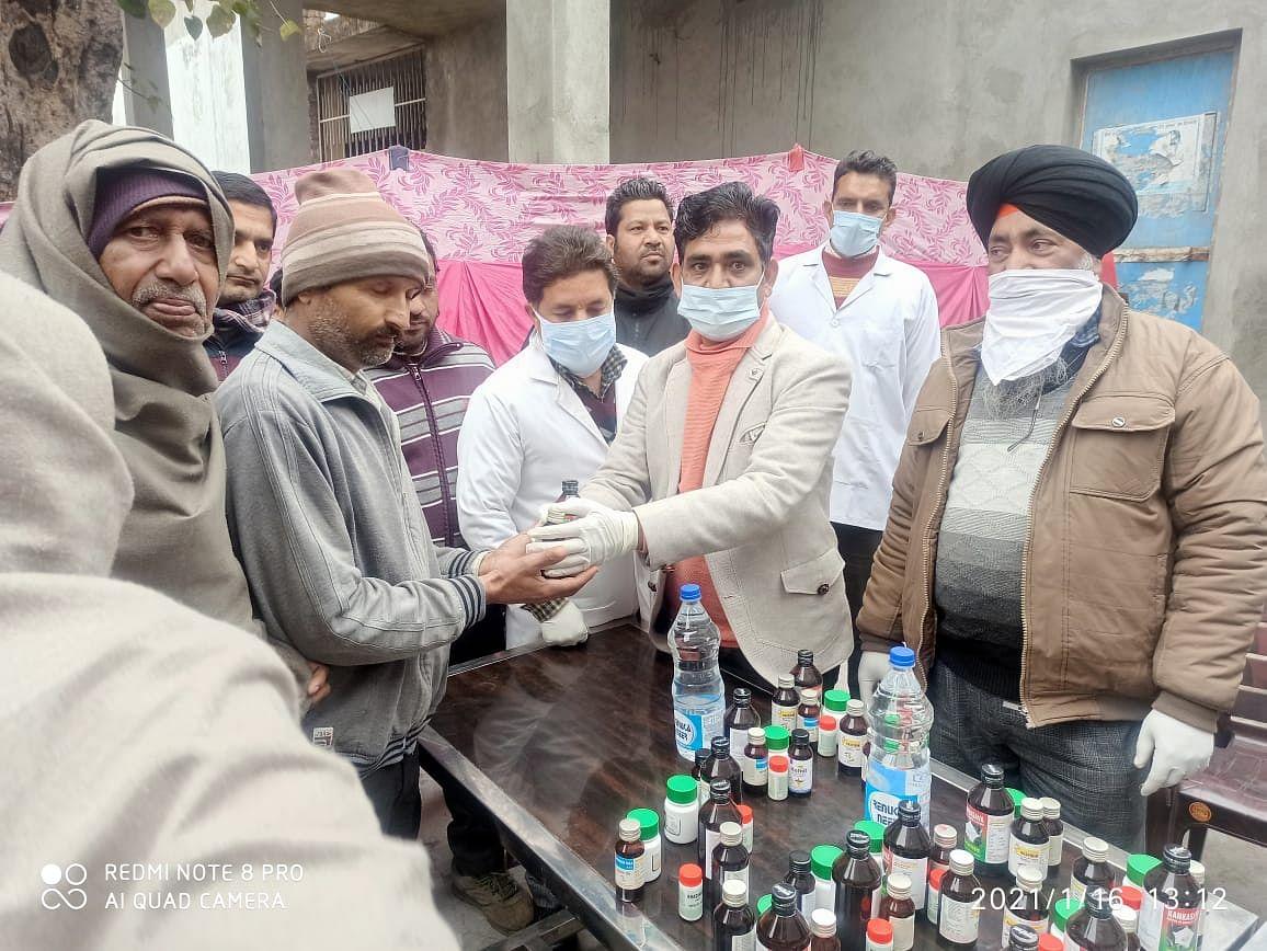 गोविंदसर में आयुष चिकित्सा शिविर का आयोजन, 300 लोगों को आयुर्वेदिक दवाईयां वितरित की