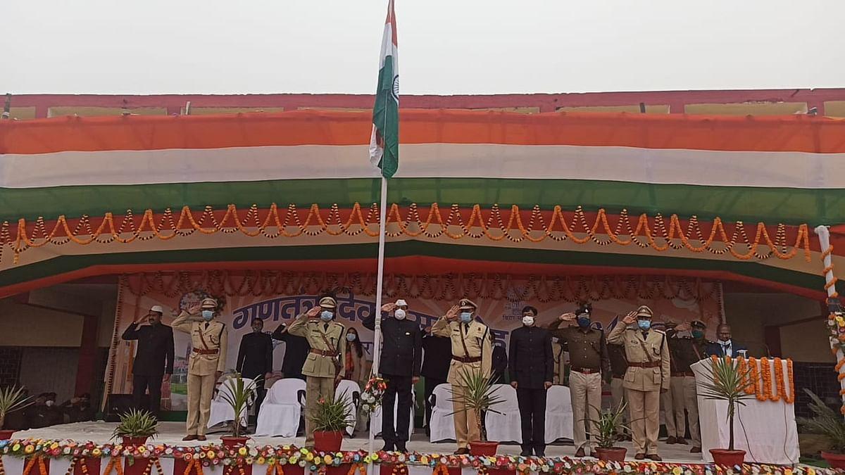 commissioner-did-flag-hoisting-ginayi-district-achievement